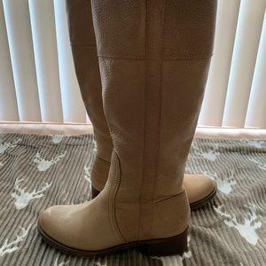 Like new cream riding boots size 9M wide calf